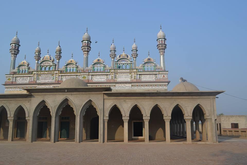 shrine of Shahbaz-e-Arifaan Hazrat Sakhi Sultan Pir Syed Mohammad Bahadur Ali Shah RA